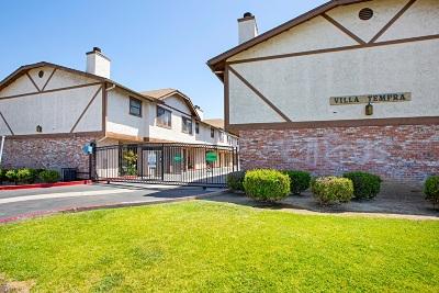 Chula Vista Townhouse For Sale: 1362 Calle Tempra