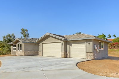 Fallbrook Single Family Home For Sale: 1406 Devin Dr