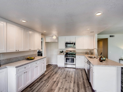 Chula Vista Single Family Home For Sale: 649 Via La Cuesta