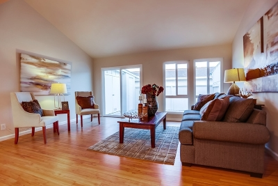 Oceanside Townhouse For Sale: 3755 Vista Campana N #6