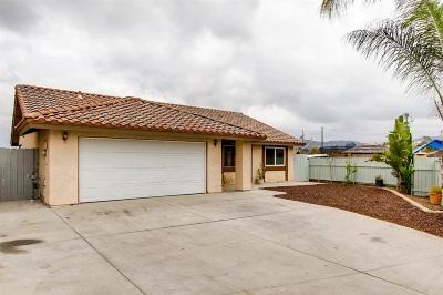 Vista Single Family Home For Sale: 1371 Corbie Circle