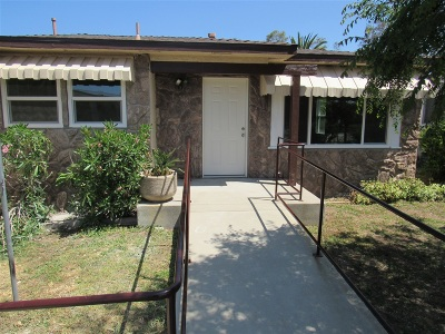 Vista Single Family Home For Sale: 2082 Thibodo Rd.