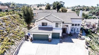 Bonita Single Family Home For Sale: 5310 Annie Laurie Ln