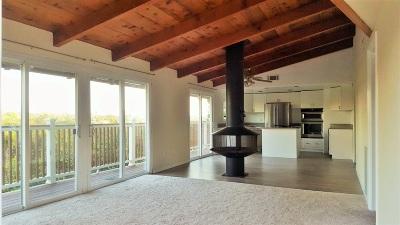 Vista Single Family Home For Sale: 117 Avalon Dr