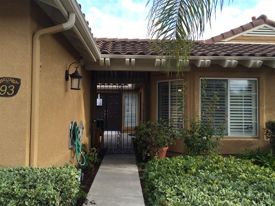 Oceanside Single Family Home For Sale: 93 Avenida Descanso