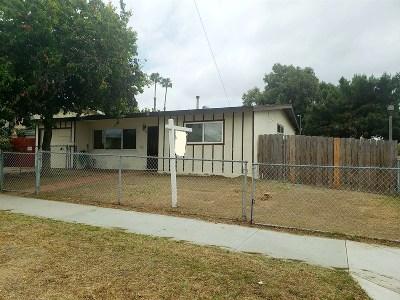 Chula Vista Single Family Home For Sale: 202 E Palomar St