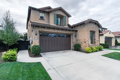 Carlsbad Single Family Home For Sale: 3457 Corte Panorama