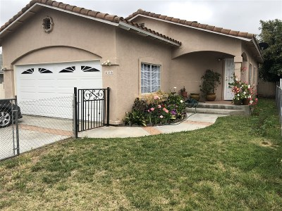 Vista Single Family Home For Sale: 236 Avenida De La Plaza
