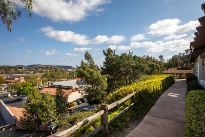 San Diego Townhouse For Sale: 9831 Caminito Cuadro
