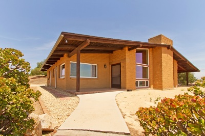 Single Family Home For Sale: 411 S Yucca Rd