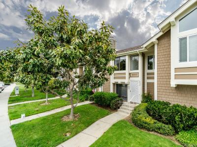 Carlsbad Townhouse For Sale: 6926 Carnation Dr