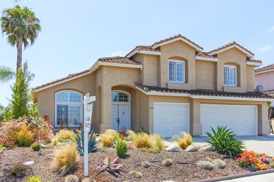 Oceanside Single Family Home For Sale: 1228 Darwin Drive