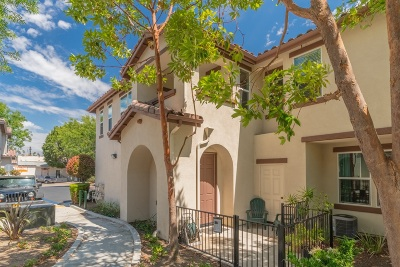 Vista Townhouse For Sale: 430 Avenida De La Luna