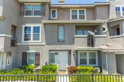Chula Vista Townhouse For Sale: 2704 Black Gum Ct