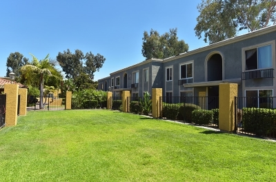 Escondido Attached For Sale: 1240 N Broadway #32