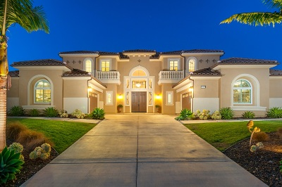 Single Family Home For Sale: 15638 Via Santa Pradera