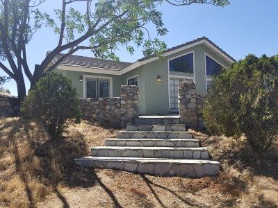 Murrieta, Temecula Single Family Home For Sale: 35481 Menifee Rd