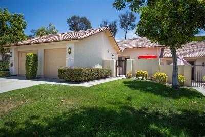 Rancho Bernardo, San Diego Townhouse For Sale: 17925 Avenida Alozdra
