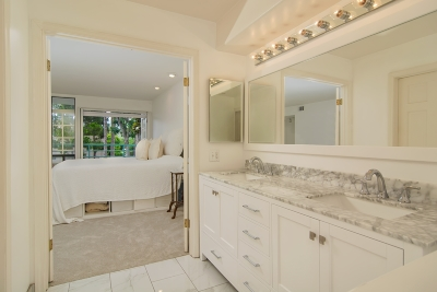 Carlsbad Attached For Sale: 2558 Navarra Dr. #A