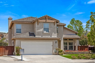 Poway Single Family Home For Sale: 12881 Oak Tree Ln