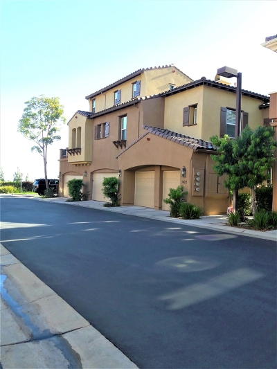 San Marcos Townhouse For Sale: Clearview Way