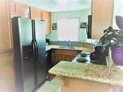 San Diego County Attached For Sale: 495 San Pasqual Valley Road #147