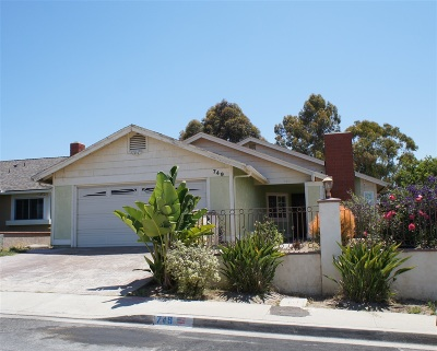 San Diego Single Family Home For Sale: 749 Carefree Dr