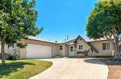 San Diego Single Family Home For Sale: 6215 Valner Way