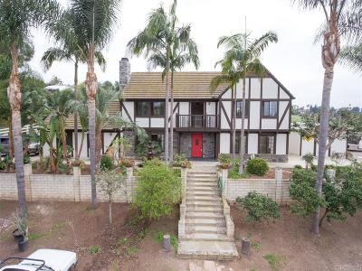 Vista Single Family Home For Sale: 215 Hutchison