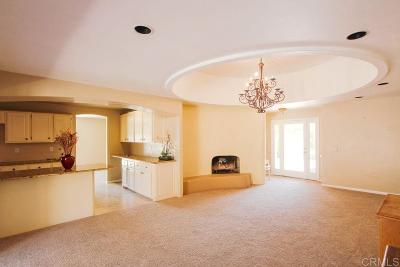 Vista Single Family Home For Sale: 748 Matagual
