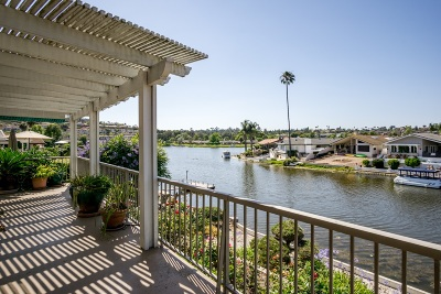San Marcos Single Family Home For Sale: 1404 La Plaza Drive