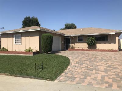 Oceanside Single Family Home For Sale: 4937 Siesta Dr