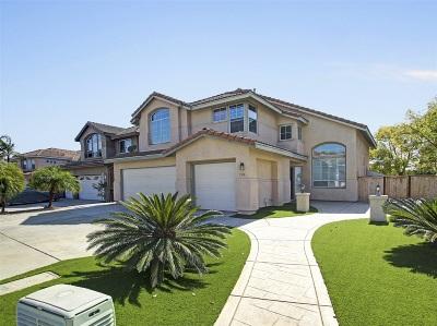 Rancho Del Rey Single Family Home For Sale: 526 Bayona Loop
