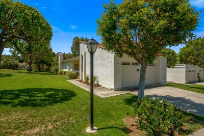 Poway Townhouse For Sale: 17751 Valle De Lobo Dr