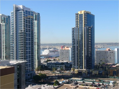San Diego CA Attached For Sale: $685,000