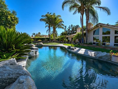 Fallbrook Single Family Home For Sale: 279 Bottlebrush Way