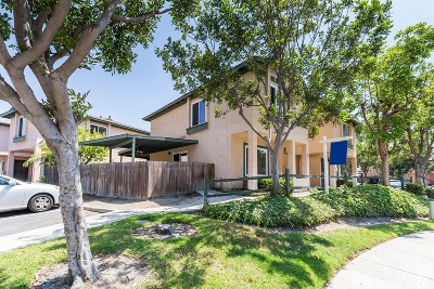 San Diego Townhouse For Sale: 1857 Bluehaven Ct