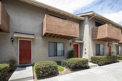 Townhouse For Sale: 4459 Clairemont Drive #B