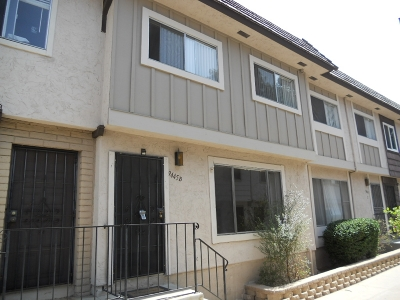 Santee Townhouse For Sale: 9445 Carlton Oaks Blvd #B