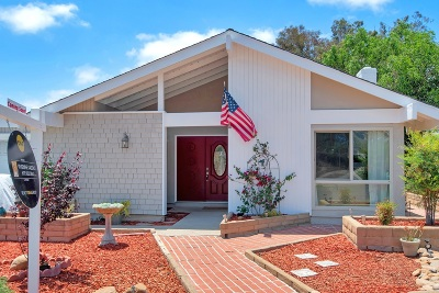 San Diego Single Family Home For Sale: 7620 Lone Star St