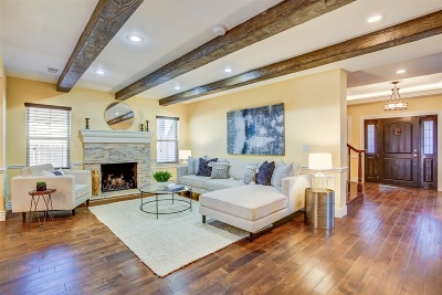 Point Loma Single Family Home For Sale: 2070 Rosecrans
