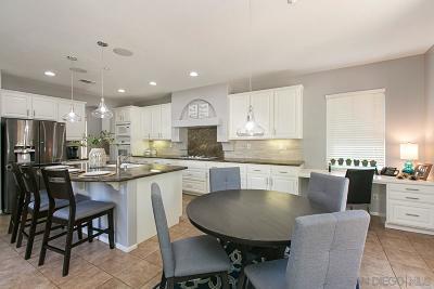 Single Family Home For Sale: 7561 Via Landini