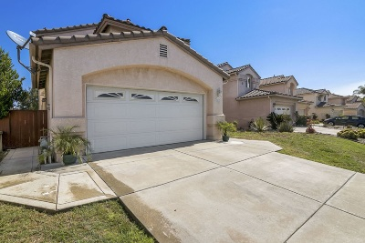 Single Family Home For Sale: 2481 La Costa Ave