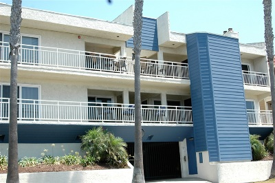 Oceanside Attached For Sale: 1112 S Pacific St #1D