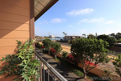 Carlsbad Attached For Sale: 4014 Aquila St #E