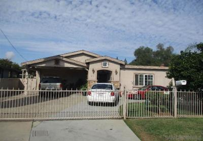 Escondido Single Family Home For Sale: 710 Elmwood Dr