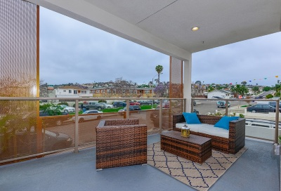 Point Loma, Point Loma Estates, Point Loma Heights, Point Loma Portal, Point Loma/Tingley Estates Attached For Sale: 3025 Byron #205