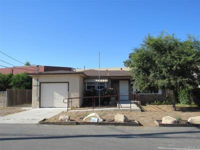 Vista Single Family Home For Sale: 2082 Thibodo Rd.