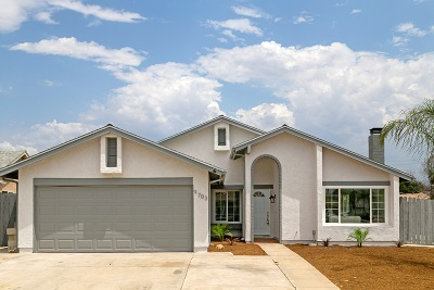Santee Single Family Home For Sale: 9703 Deer Hollow Ct.