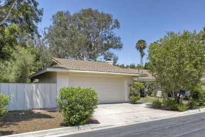 Oceanside Attached For Sale: 3160 Camino Crest Dr